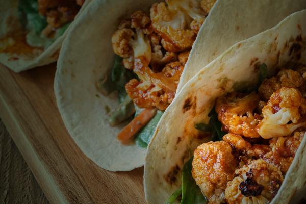 tacos de coliflor con chipotle