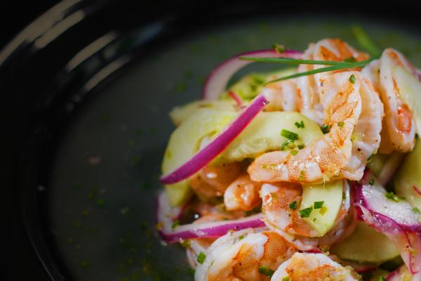 cóctel de camarón con piña